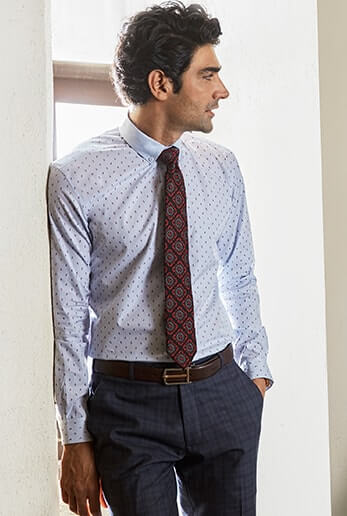 This shirt in superfine jacquard is the sartorial man's must have piece